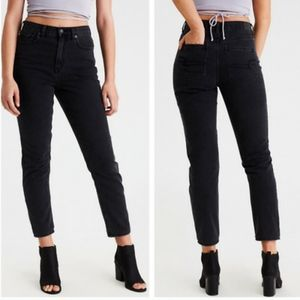 American Eagle Rocker Black High Waisted Rise Mom Jeans 90s Straight Leg Cropped